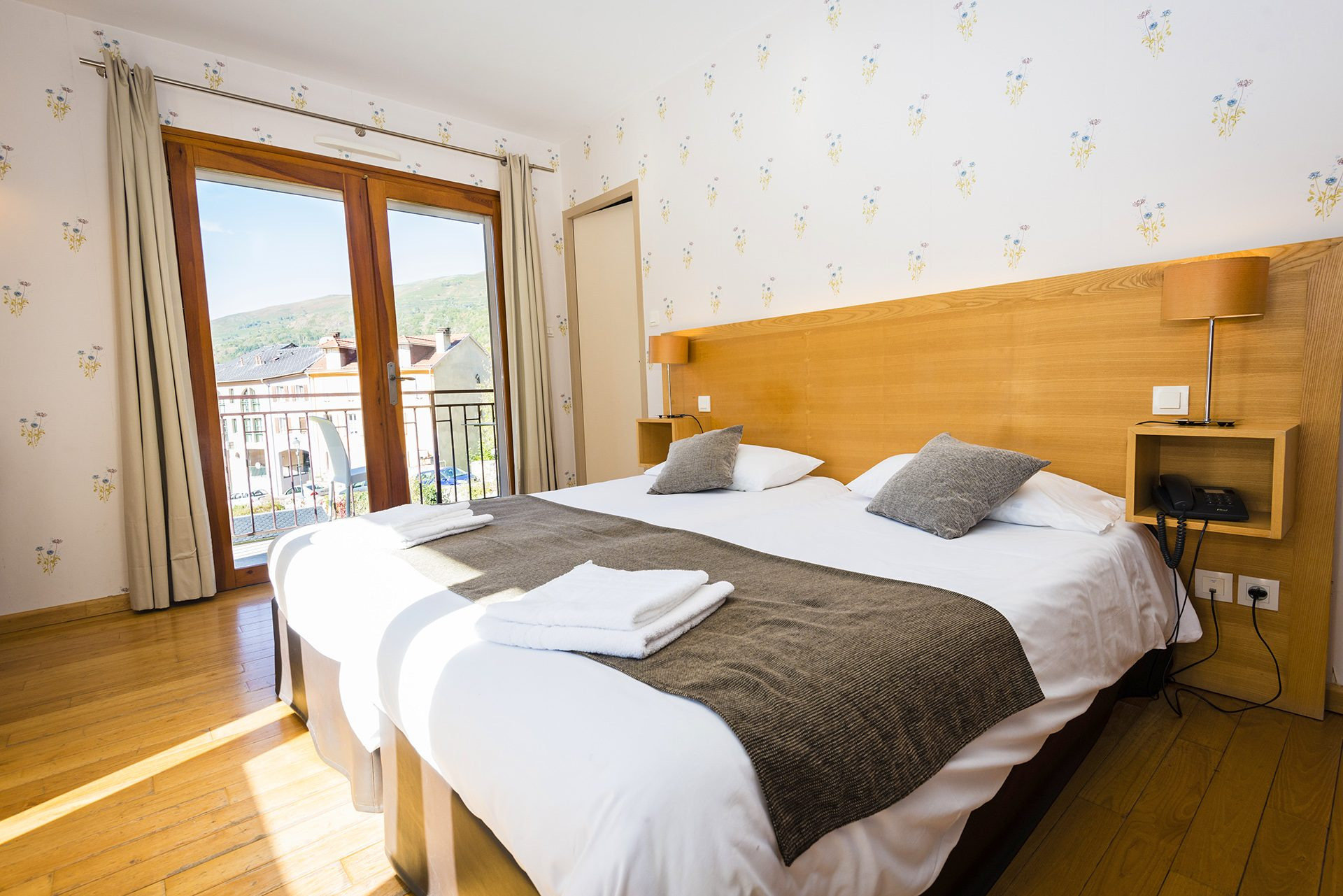 Chambre Junior Prestige - Hôtel le Chalet à Ax les Thermes en Ariège Pyrénées