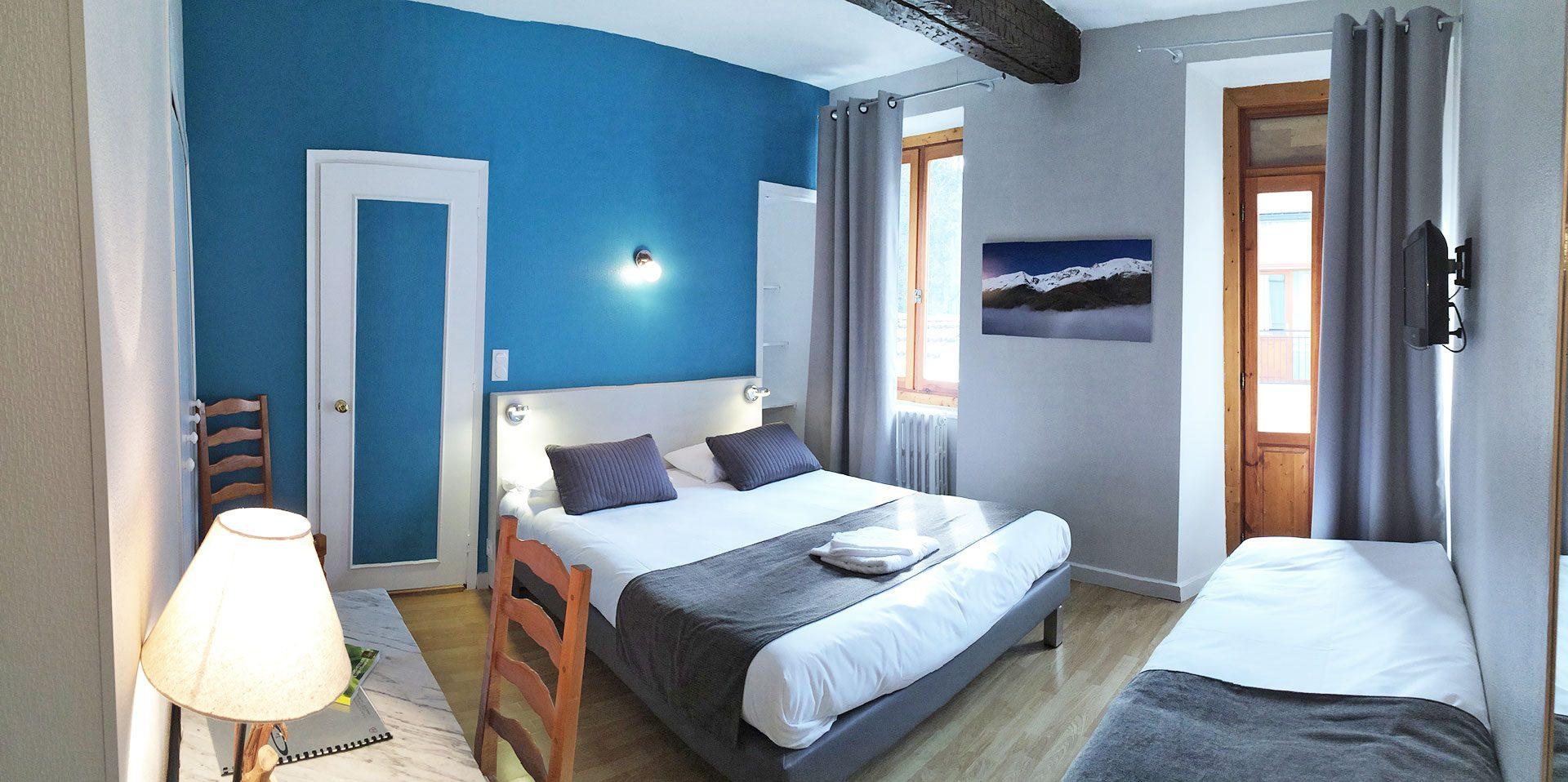 Chambre N°5 - Junior Supérieure - Hôtel le Chalet à Ax les Thermes en Ariège Pyrénées