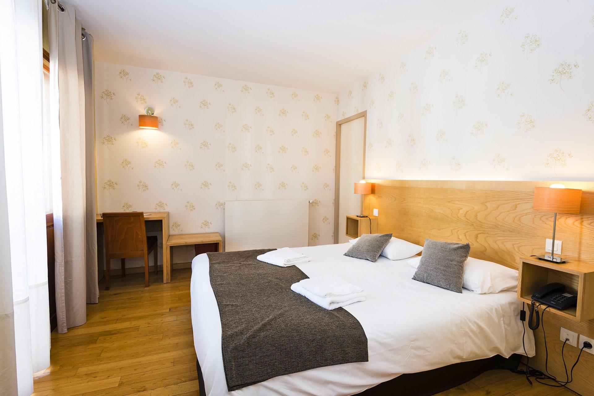 Chambre Prestige 2 - Hôtel *** Le Chalet à Ax les Thermes en Ariège Pyrénées