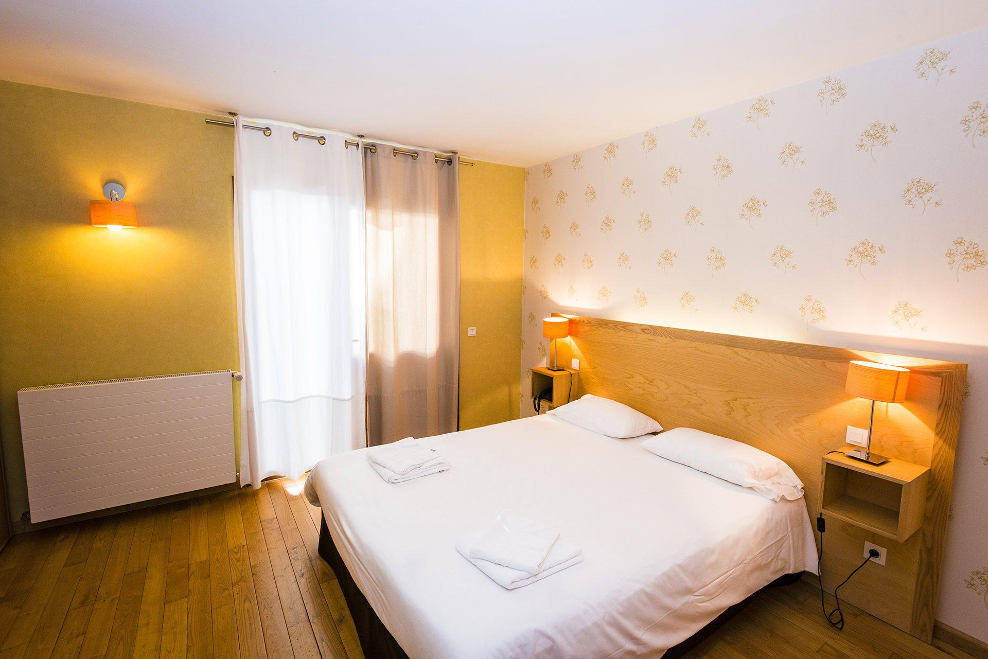 Chambre Prestige - Hôtel *** Le Chalet à Ax les Thermes en Ariège Pyrénées