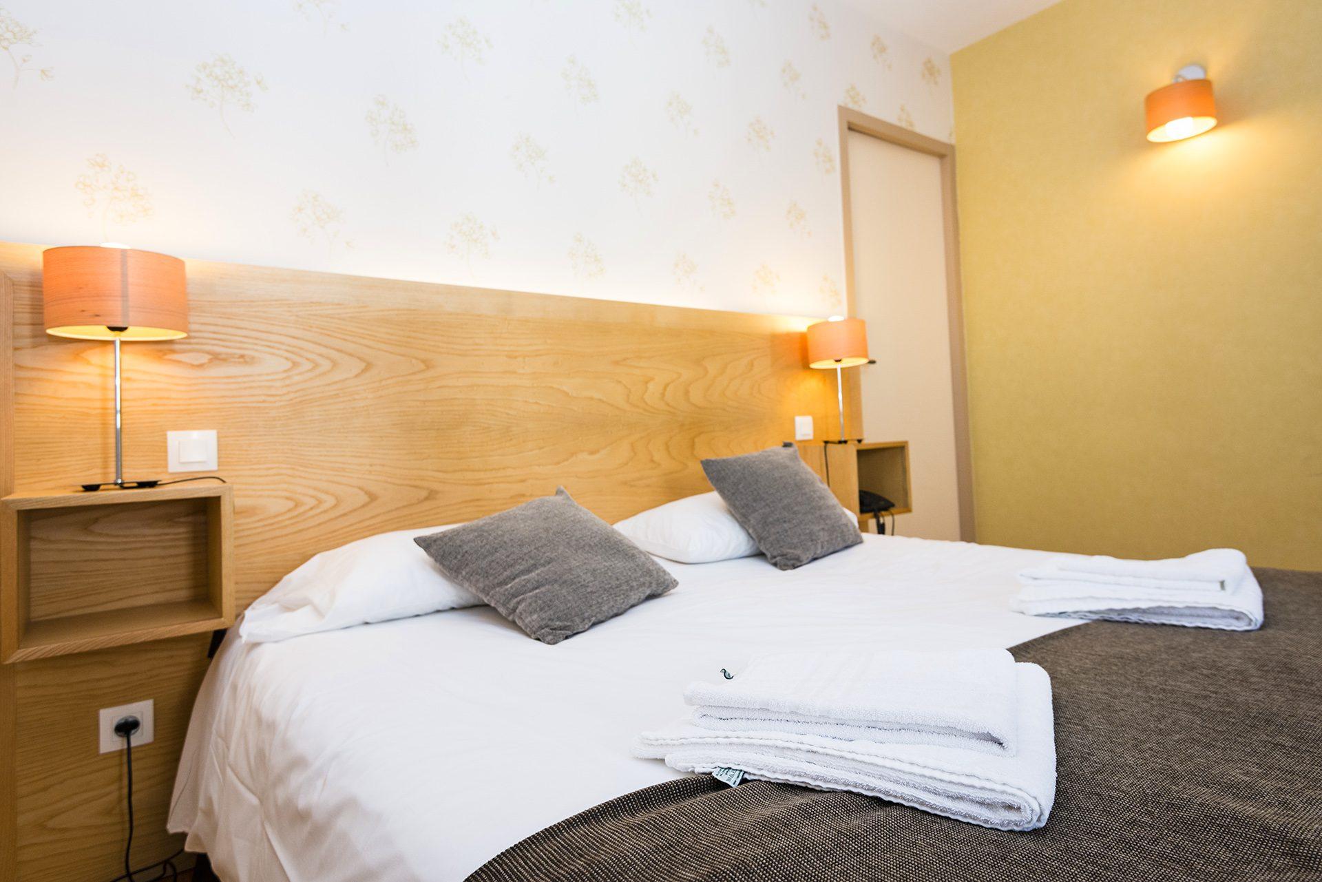 Tête de lit Chambre Prestige - Hôtel *** Le Chalet à Ax les Thermes en Ariège Pyrénées