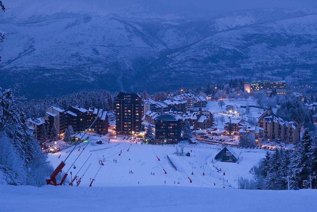 Station de Ski Ax 3 Domaine - Le Chalet Restaurant et Hôtel à Ax les Thermes en Ariège Pyrénées